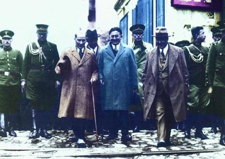 Görmediğiniz kareleriyle 'Atatürk' 114
