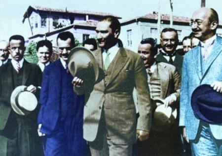 Görmediğiniz kareleriyle 'Atatürk' 115