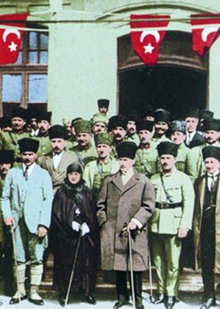 Görmediğiniz kareleriyle 'Atatürk' 117