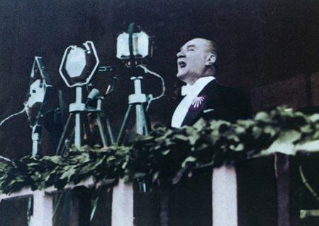 Görmediğiniz kareleriyle 'Atatürk' 119