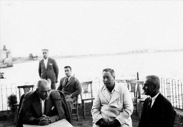 Görmediğiniz kareleriyle 'Atatürk' 12