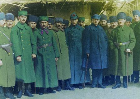 Görmediğiniz kareleriyle 'Atatürk' 120