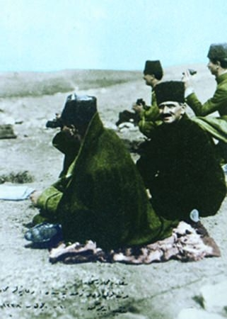 Görmediğiniz kareleriyle 'Atatürk' 121