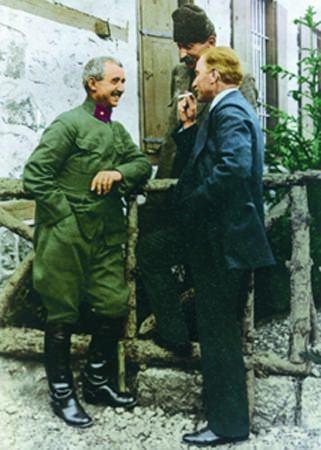 Görmediğiniz kareleriyle 'Atatürk' 123
