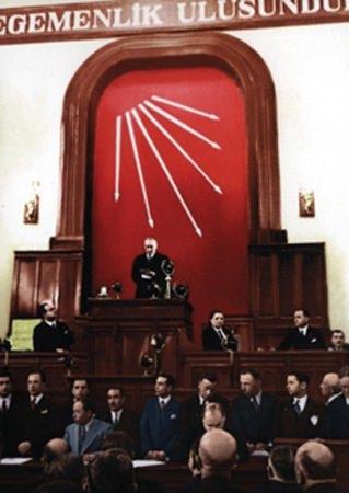 Görmediğiniz kareleriyle 'Atatürk' 129