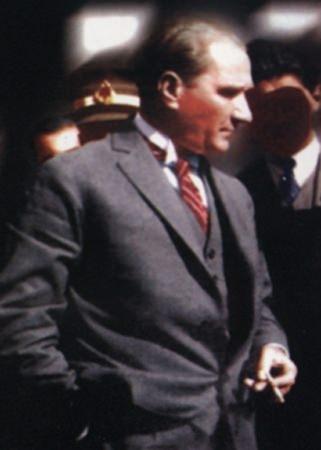 Görmediğiniz kareleriyle 'Atatürk' 131