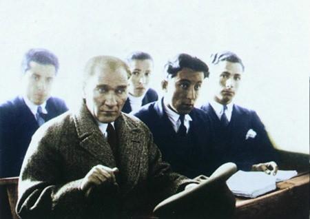 Görmediğiniz kareleriyle 'Atatürk' 133