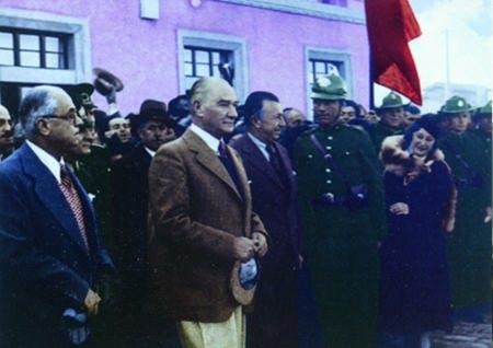 Görmediğiniz kareleriyle 'Atatürk' 134