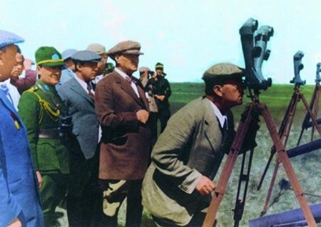 Görmediğiniz kareleriyle 'Atatürk' 136
