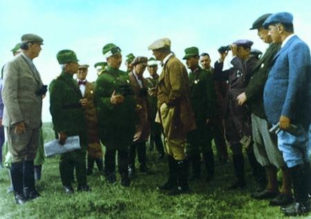Görmediğiniz kareleriyle 'Atatürk' 137