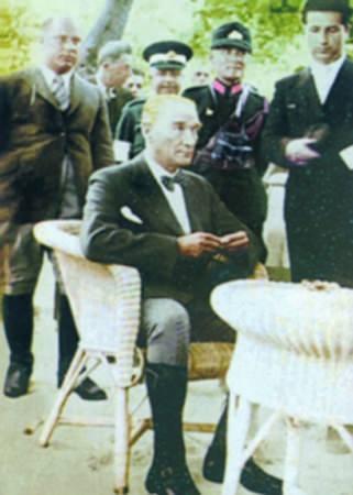 Görmediğiniz kareleriyle 'Atatürk' 139