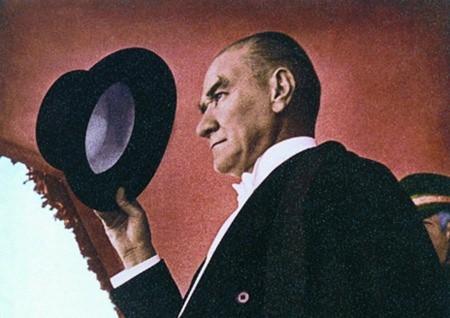 Görmediğiniz kareleriyle 'Atatürk' 141