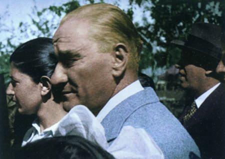 Görmediğiniz kareleriyle 'Atatürk' 143