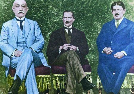 Görmediğiniz kareleriyle 'Atatürk' 145