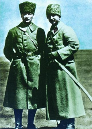 Görmediğiniz kareleriyle 'Atatürk' 147