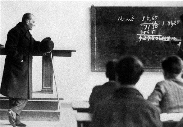 Görmediğiniz kareleriyle 'Atatürk' 15