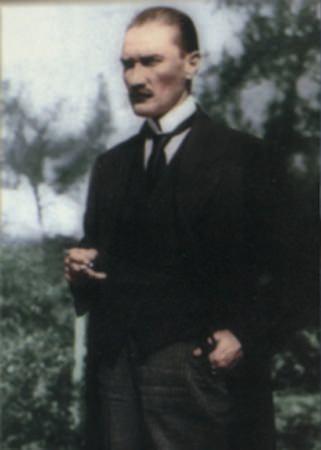 Görmediğiniz kareleriyle 'Atatürk' 150