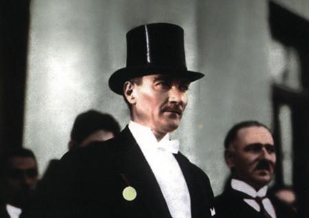 Görmediğiniz kareleriyle 'Atatürk' 151