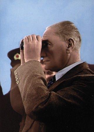 Görmediğiniz kareleriyle 'Atatürk' 153