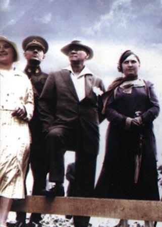 Görmediğiniz kareleriyle 'Atatürk' 157