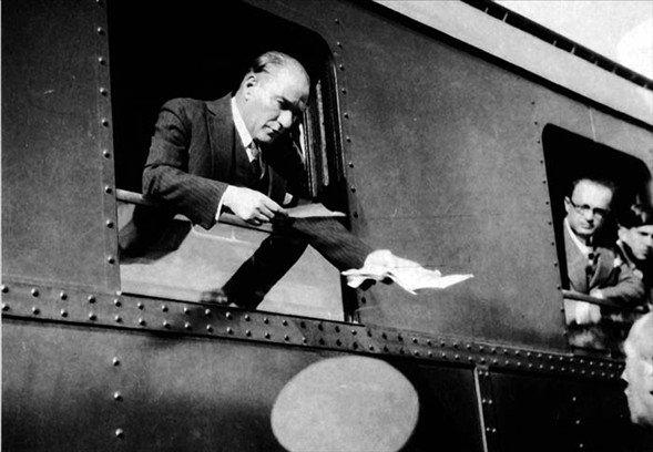 Görmediğiniz kareleriyle 'Atatürk' 16