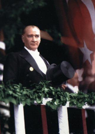 Görmediğiniz kareleriyle 'Atatürk' 163