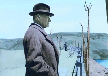 Görmediğiniz kareleriyle 'Atatürk' 167
