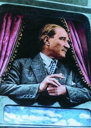 Görmediğiniz kareleriyle 'Atatürk' 168