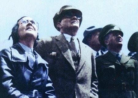 Görmediğiniz kareleriyle 'Atatürk' 170