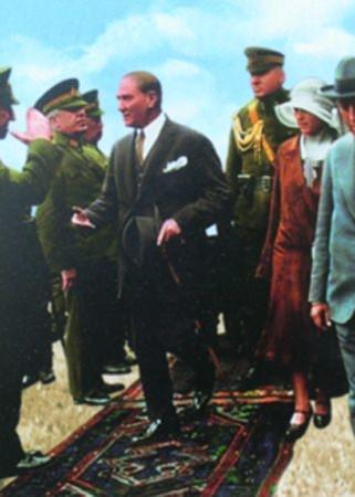 Görmediğiniz kareleriyle 'Atatürk' 171