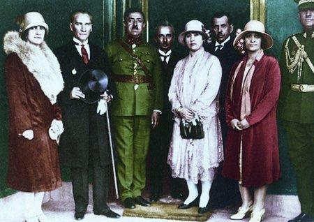 Görmediğiniz kareleriyle 'Atatürk' 173