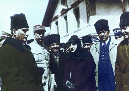 Görmediğiniz kareleriyle 'Atatürk' 174