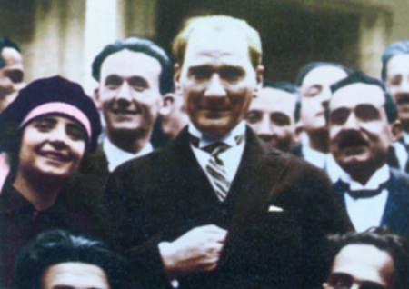 Görmediğiniz kareleriyle 'Atatürk' 175