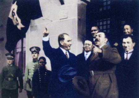 Görmediğiniz kareleriyle 'Atatürk' 177