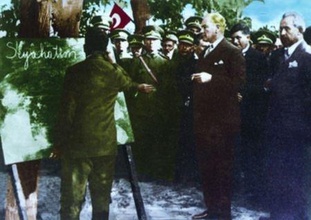 Görmediğiniz kareleriyle 'Atatürk' 178