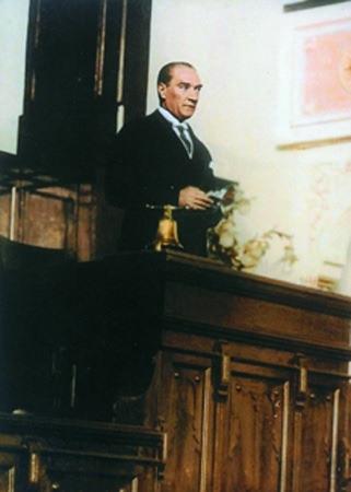 Görmediğiniz kareleriyle 'Atatürk' 180