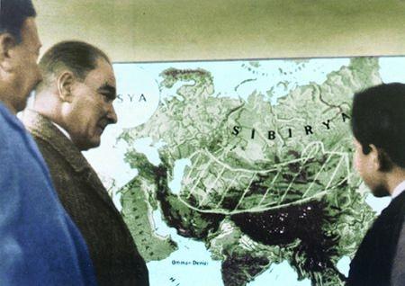 Görmediğiniz kareleriyle 'Atatürk' 181