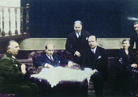 Görmediğiniz kareleriyle 'Atatürk' 184