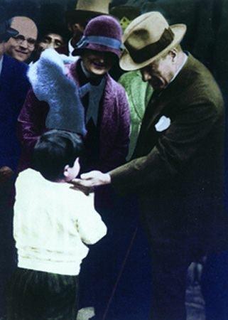 Görmediğiniz kareleriyle 'Atatürk' 185