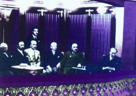 Görmediğiniz kareleriyle 'Atatürk' 186