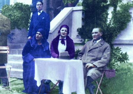 Görmediğiniz kareleriyle 'Atatürk' 189