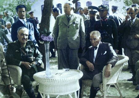 Görmediğiniz kareleriyle 'Atatürk' 191