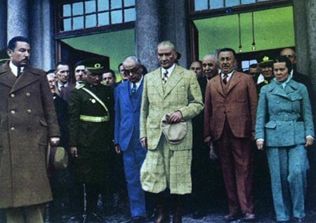 Görmediğiniz kareleriyle 'Atatürk' 194