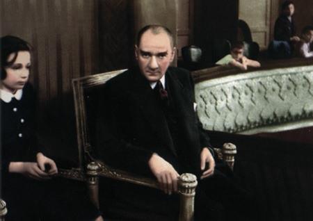 Görmediğiniz kareleriyle 'Atatürk' 197