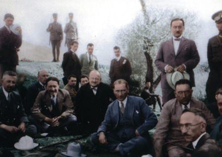 Görmediğiniz kareleriyle 'Atatürk' 199
