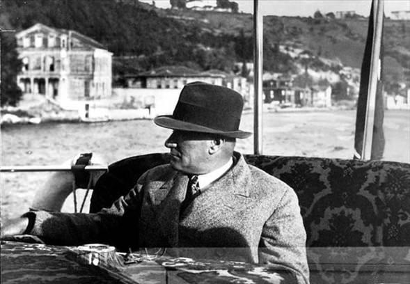 Görmediğiniz kareleriyle 'Atatürk' 2