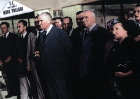 Görmediğiniz kareleriyle 'Atatürk' 201