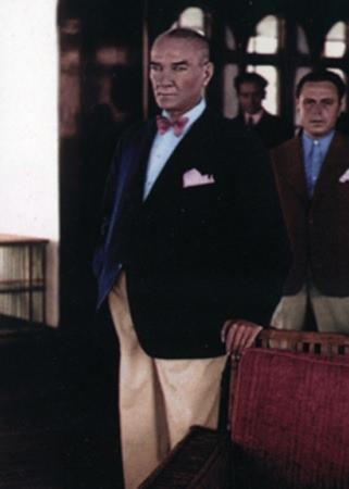Görmediğiniz kareleriyle 'Atatürk' 207