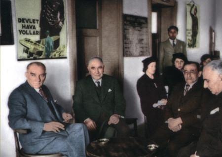 Görmediğiniz kareleriyle 'Atatürk' 208