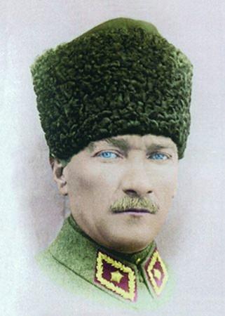 Görmediğiniz kareleriyle 'Atatürk' 209
